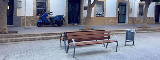 HOSPITALET - BARCELONA URBAN FURNITURE More than 350 benches BCN21 in Hospitalet